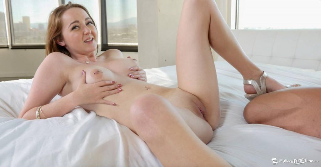 sexy princess peach showing tits